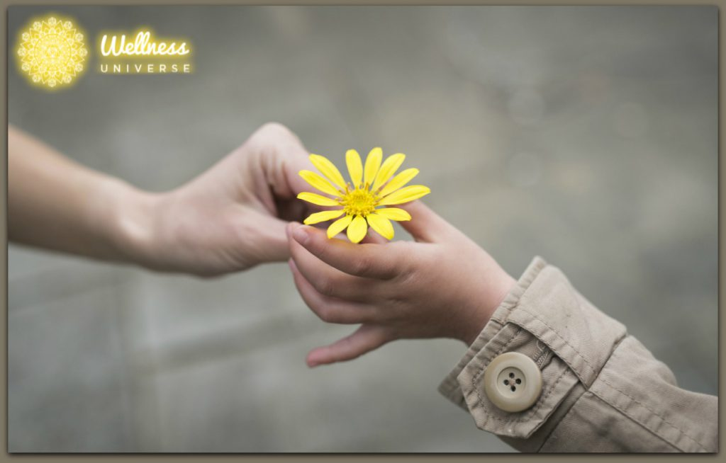 5 Benefits of Giving and Receiving Love by Moira Hutchison #TheWellnessUniverse #WUVIP #ReceivingLove